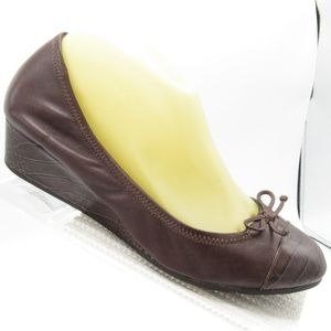 Cole Haan D38365 Size 8.5 B Wedge Bow Pumps Womens